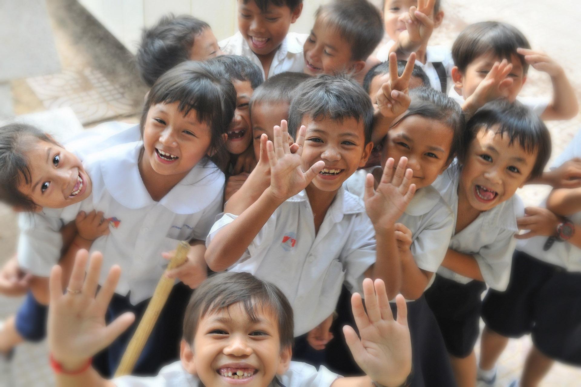 children-school 子供たちの学校登校再開が本当のサイン